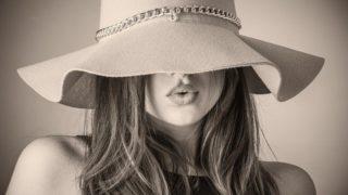 女性 帽子