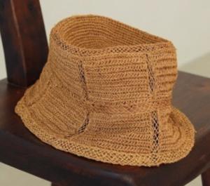 茶色 帽子