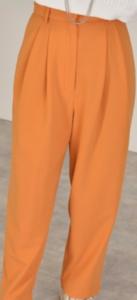 オレンジパンツ